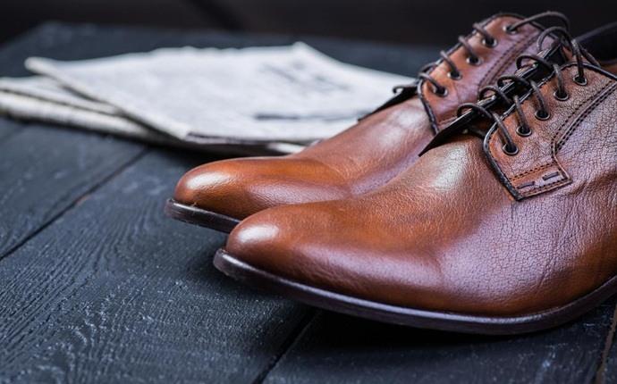 نرم کردن چرم کفش