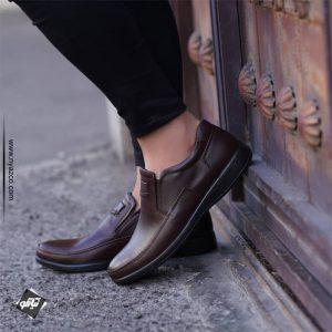 کفش چرم فام