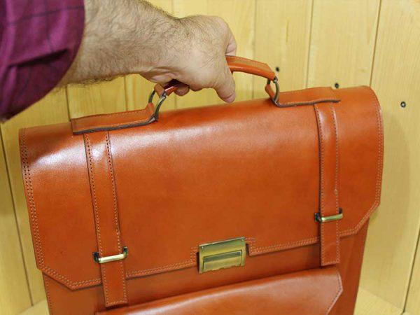خرید کیف دیپلمات مردانه چرم لوک مدل هور رنگ عسلی